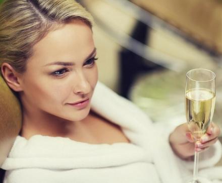 Prezenty dla Kobiety: 10 pomysłów, które Ona doceni