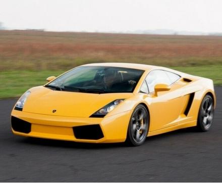Test na torze – Ferrari California, Lamborghini Gallardo i KTM X-bow