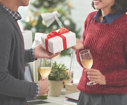 Najlepsze pomysły na prezenty świąteczne dla pracowników