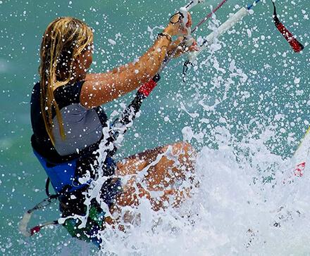 Popularne sporty wodne. Jakich można spróbowac w Polsce?