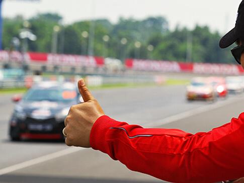 Tory wyścigowe w Polsce