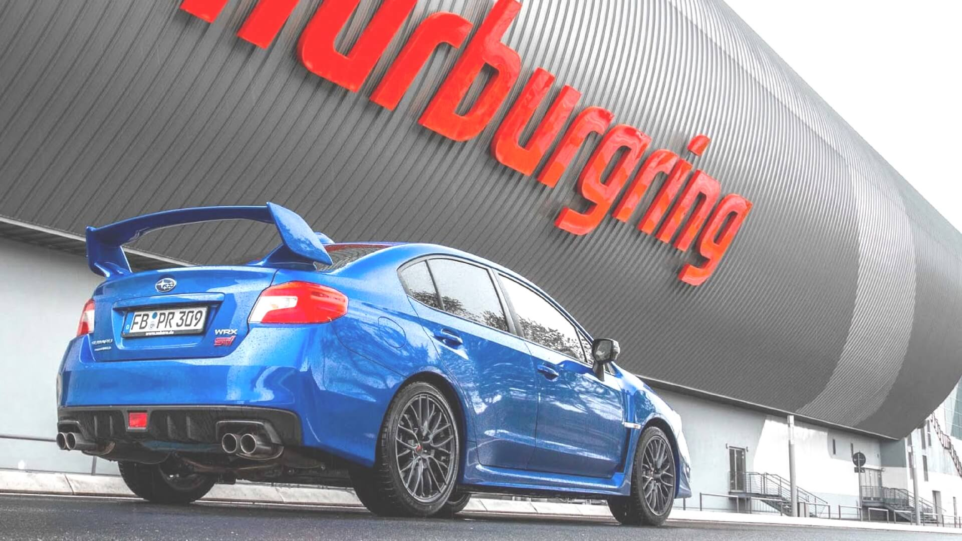 Jazda Subaru po torze Nurburgring