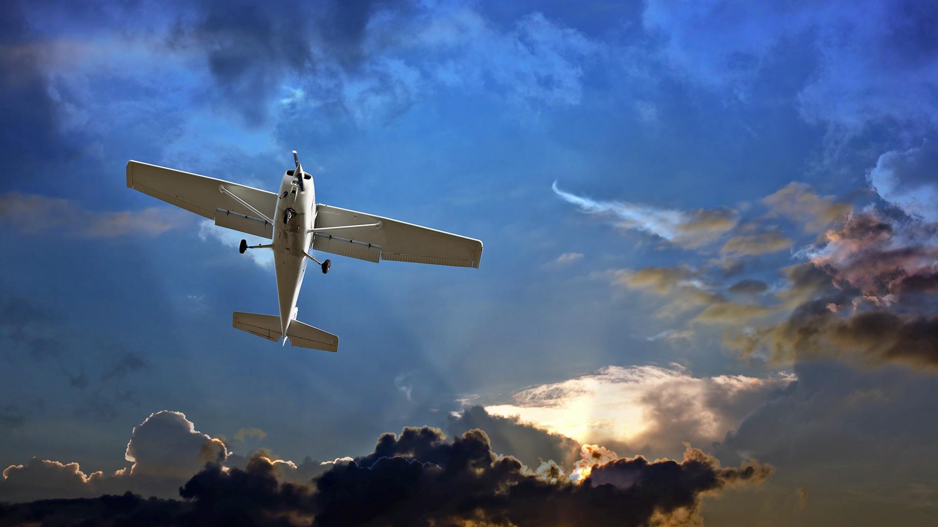 Lot widokowy samolotem w prezencie dla miłośników podniebnych wrażeń