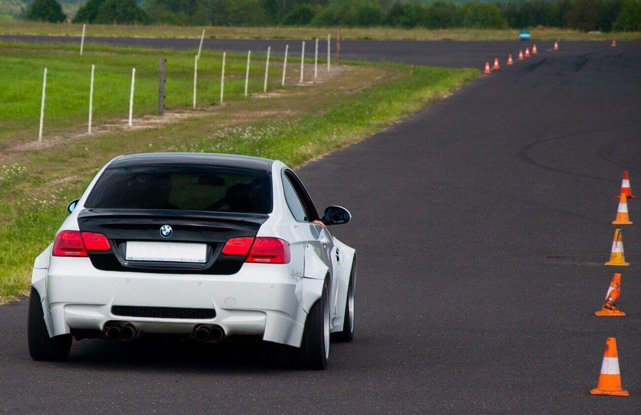 Jazda 4 km za kierownicą BMW