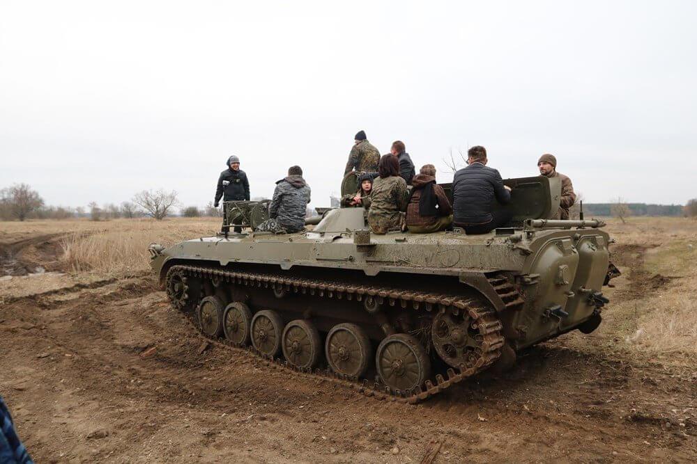 Jazda militarnym wozem - transporter