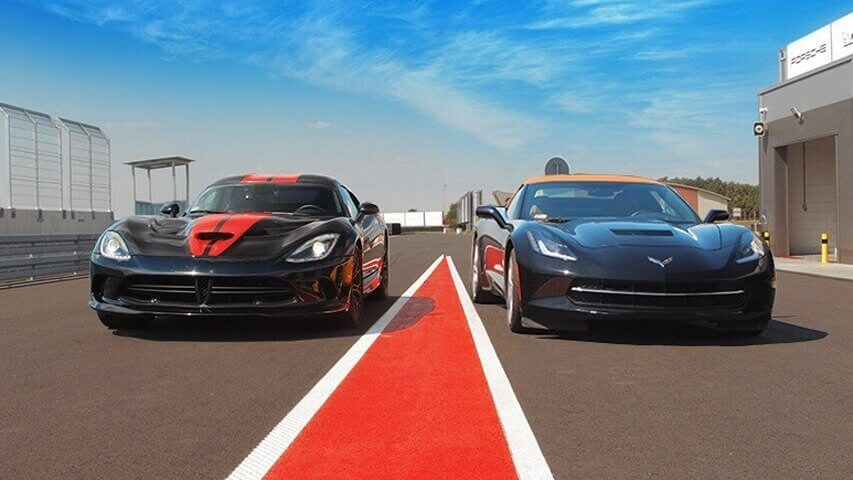 Dodge Viper vs Corvette - pojedynek na torze