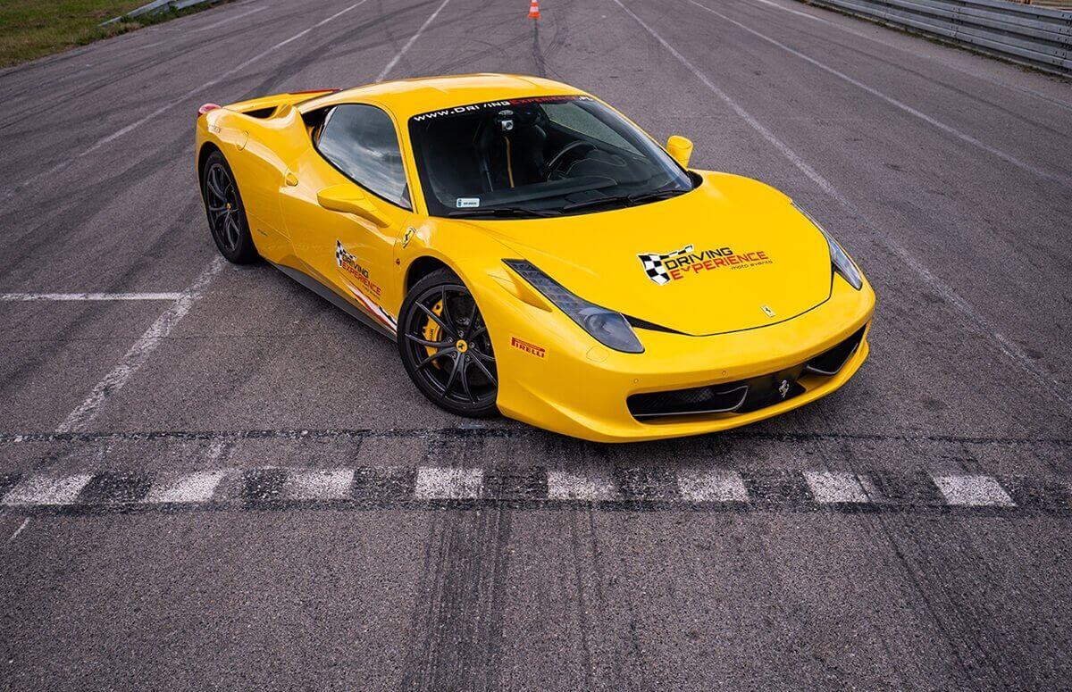 Ferrari 458 Italia - Jazda na torze wyścigowym