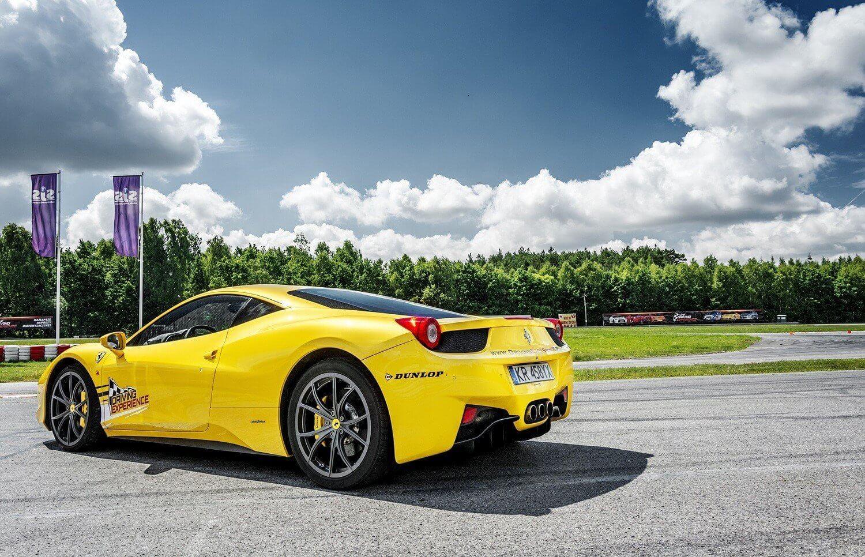 Przejazd za kierownicą Ferrari