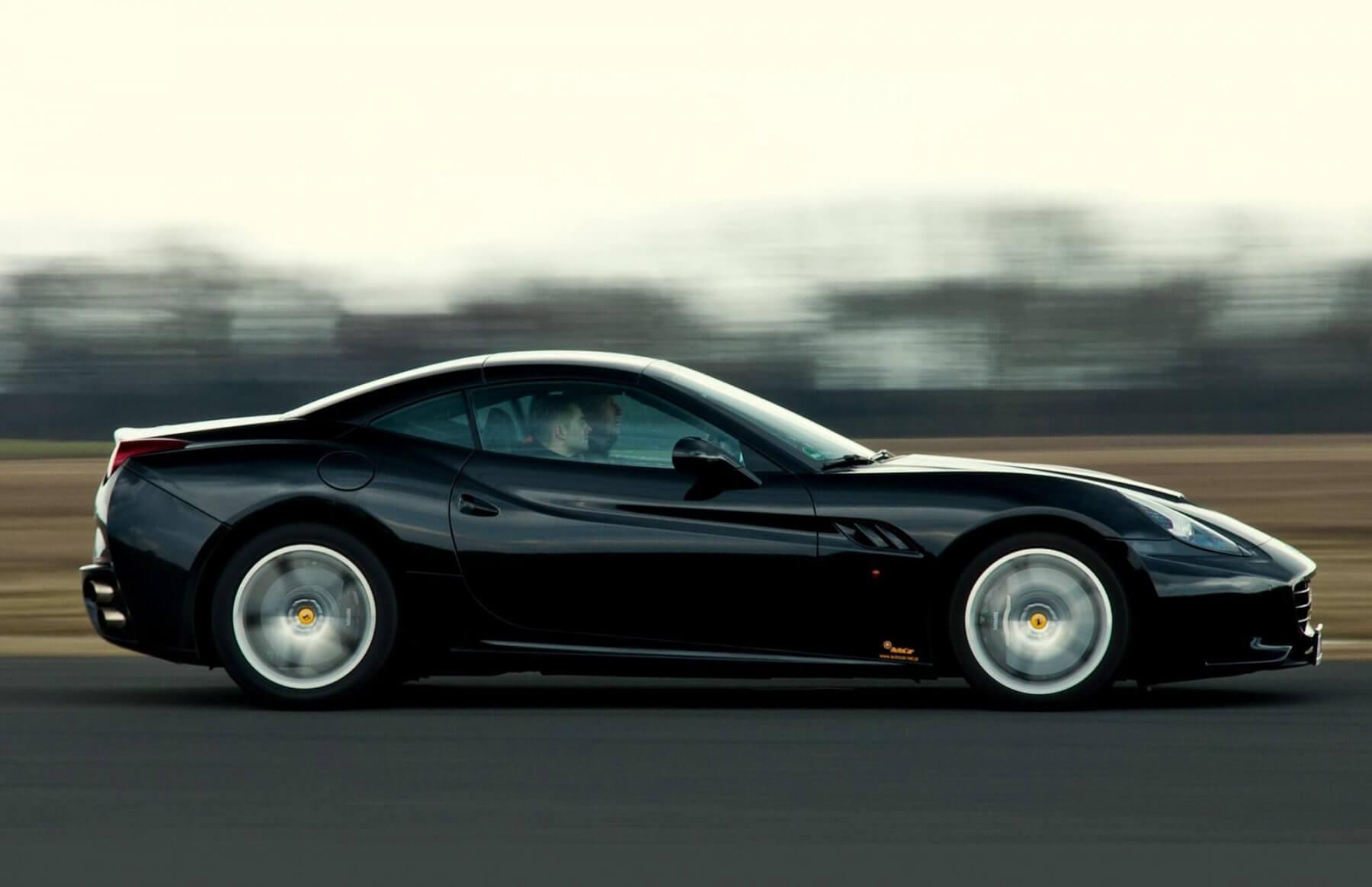 Przejazd sportowym Ferrari