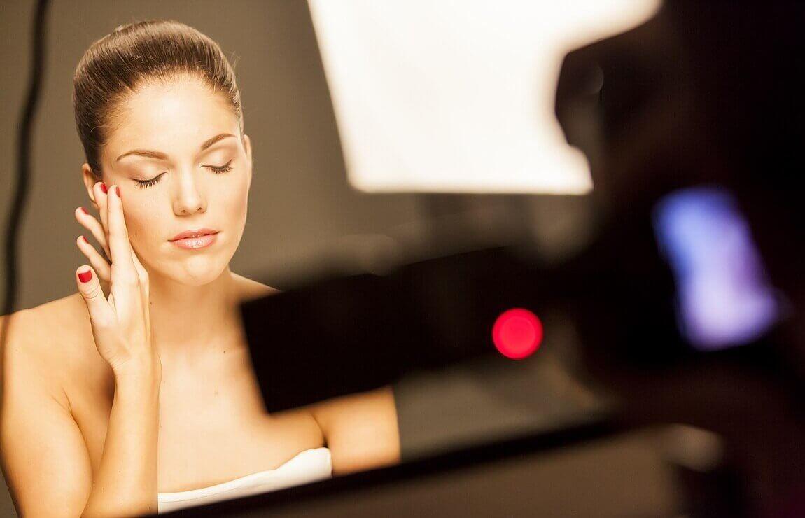 Fryzura, makijaż i stylizacja