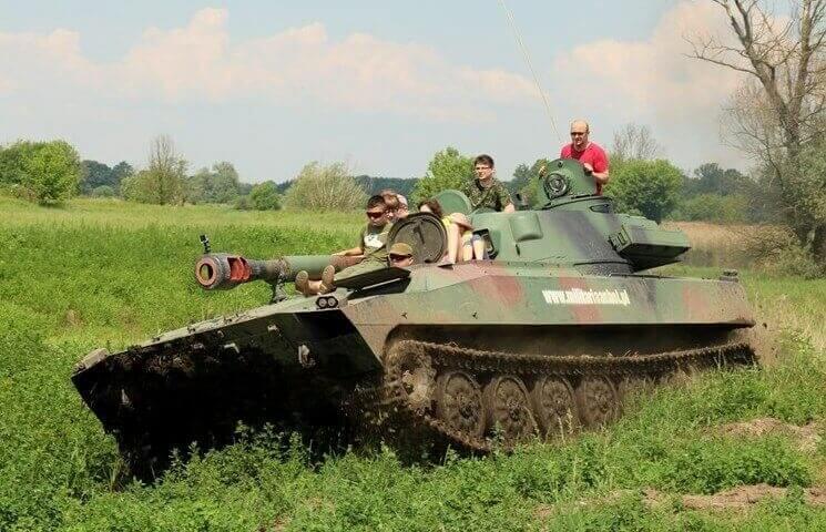 Samodzielne prowadzenie pojazdu wojskowego