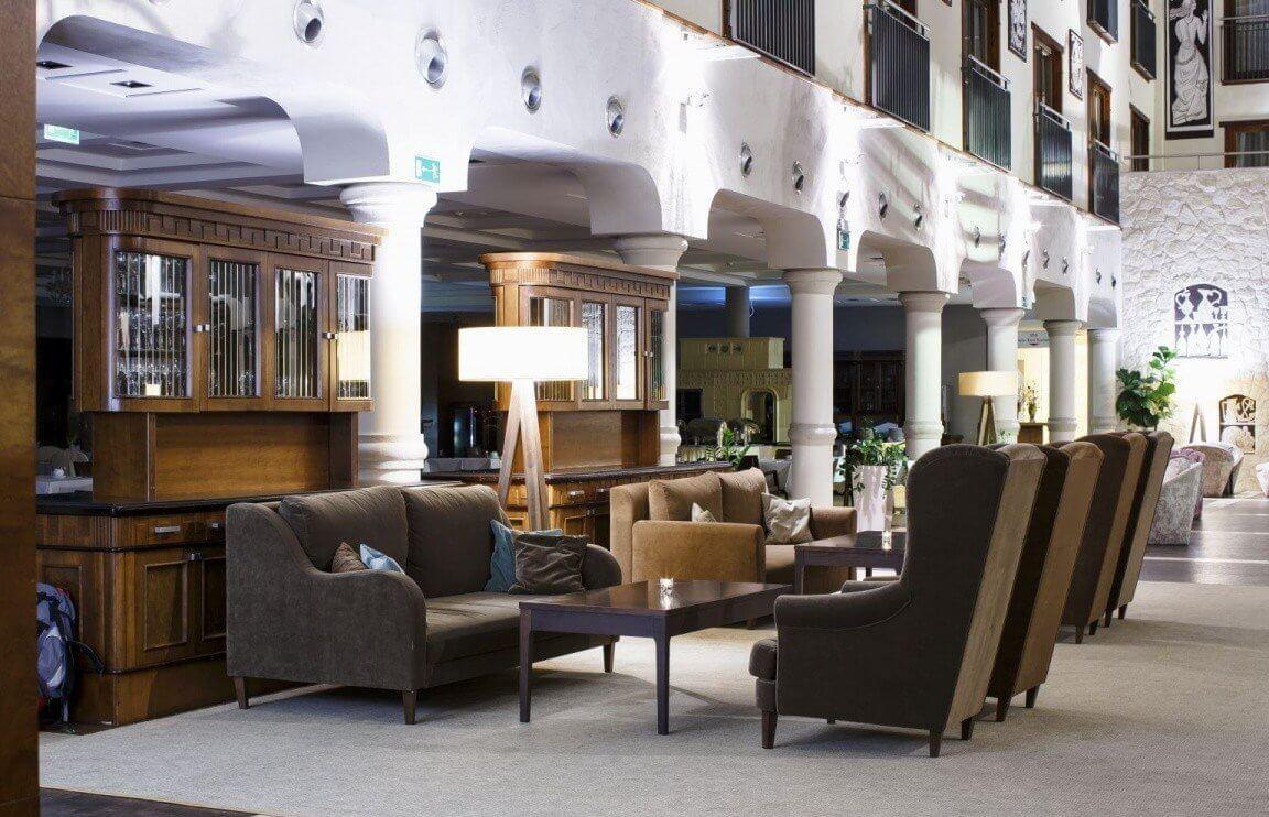 Weekend w Kazimierzu foyer hotelowe