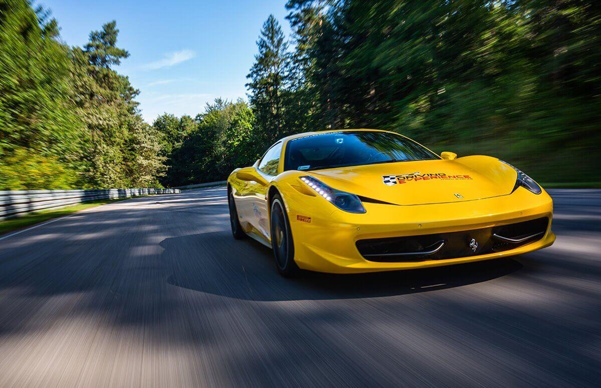 Jazda Ferrari 458 Italia na torze - Prezent