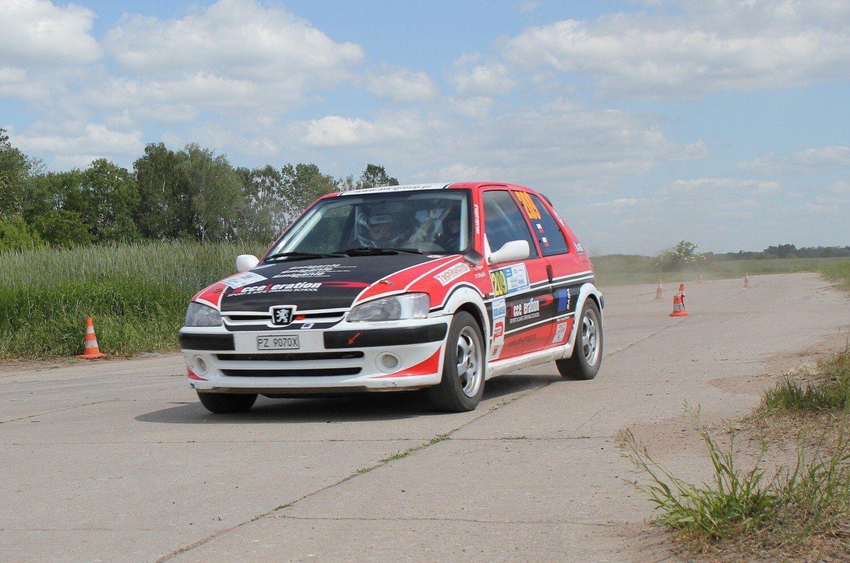 peugeot Rally RS - rajdowa jazda na odcinku sportowym