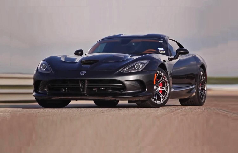 Prezent - Jazda Dodge Viper GTS  na torze wyścigowym