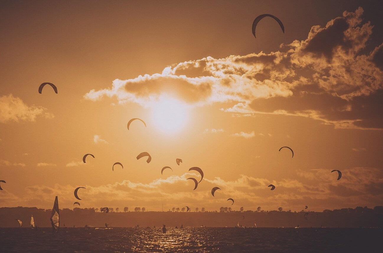 Kitesurfing dla 2 osób + kurs na Helu