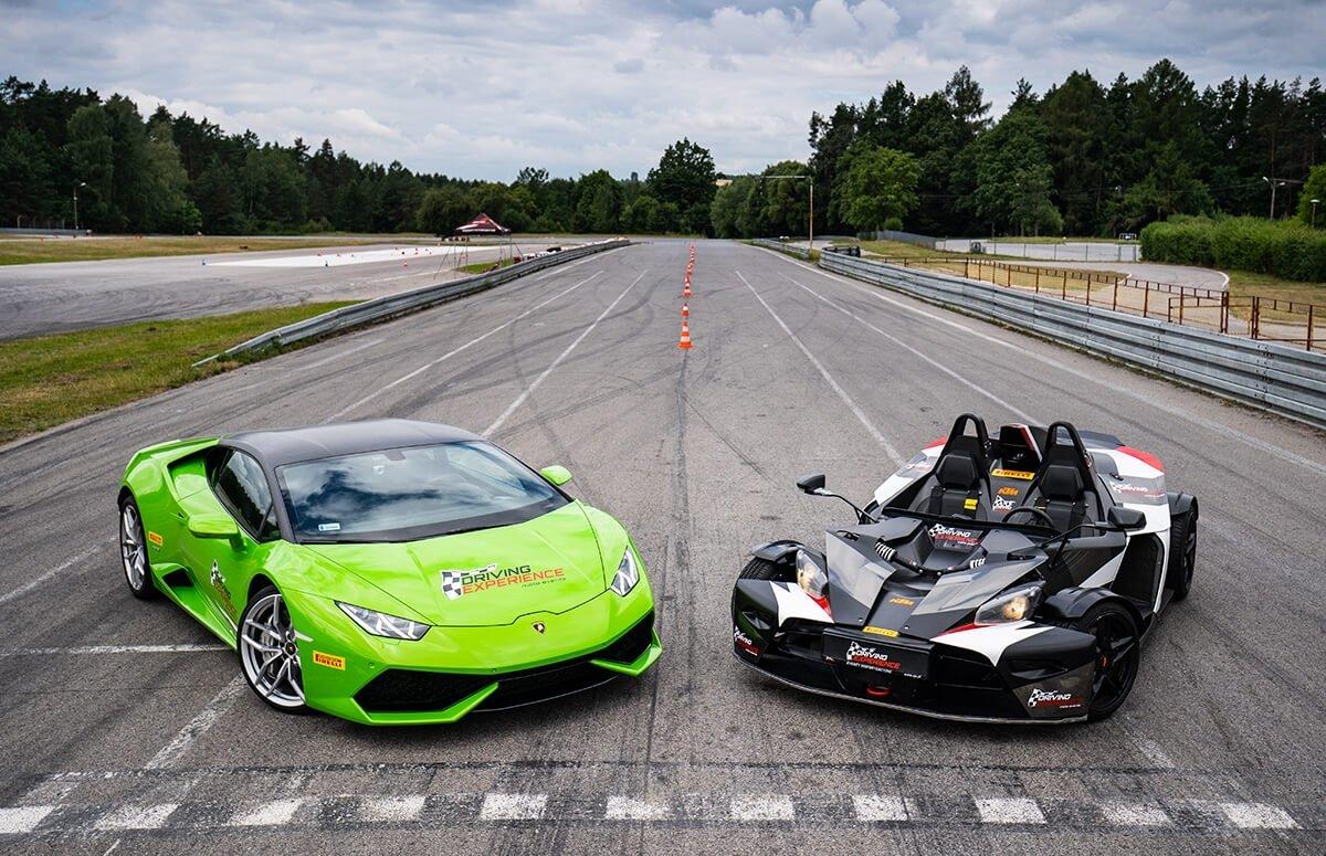 KTM X-Bow vs Lamborghini Huracan