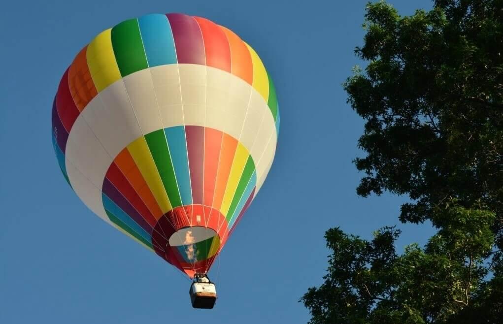 Rodzinny lot balonem w przestworza