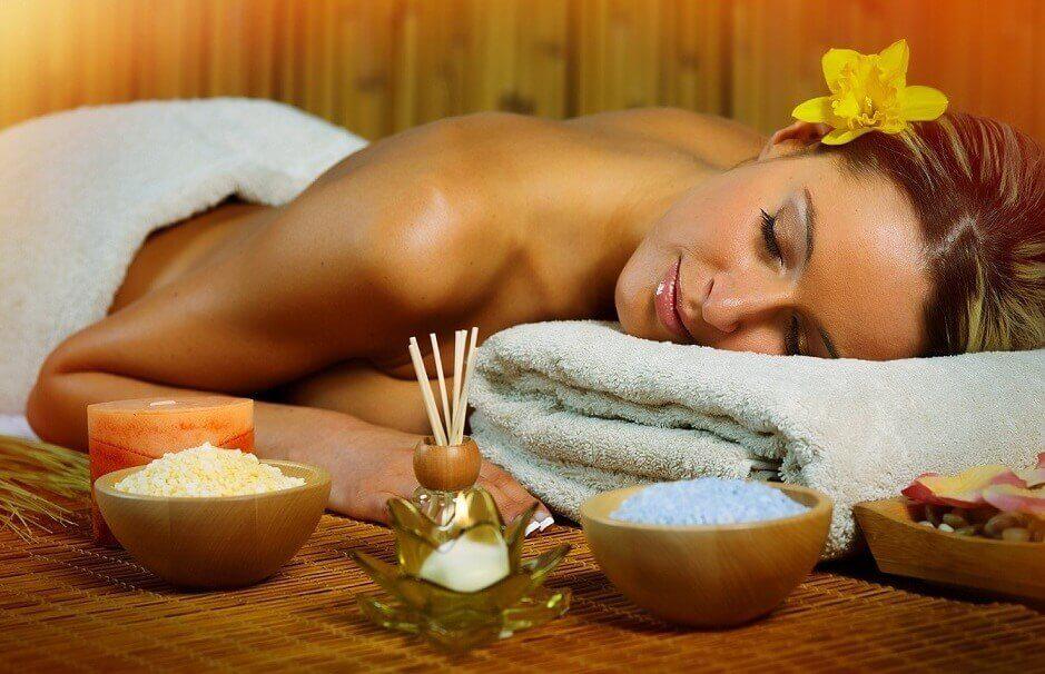 Masaż z aromaterapią