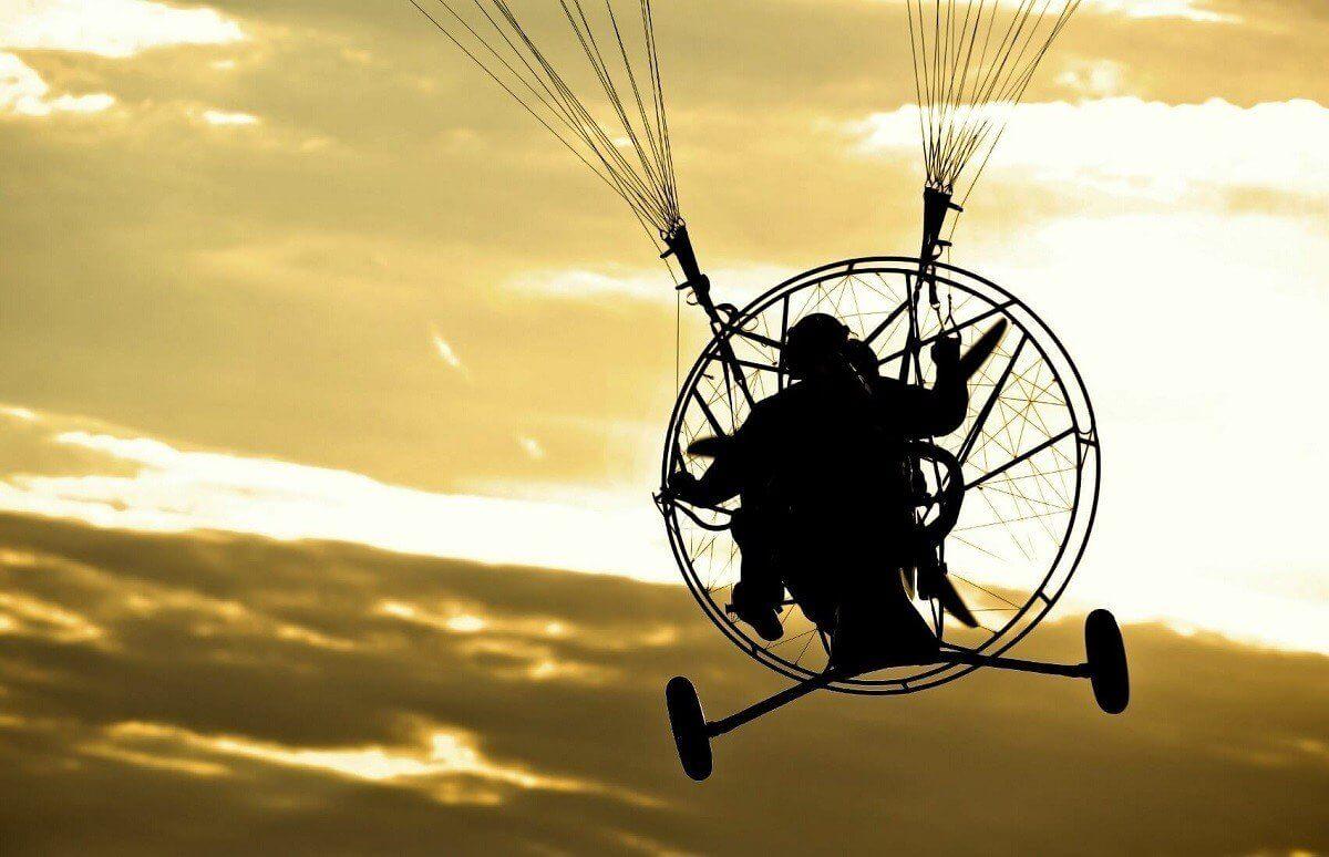 Powietrzne przeżycie - lot na motoparalotni