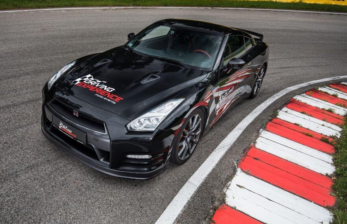 Nissan GTR - Jazda w prezencie