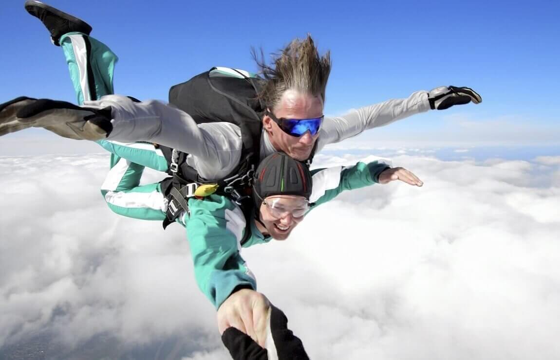 Skoki w tandemie - spadochrony