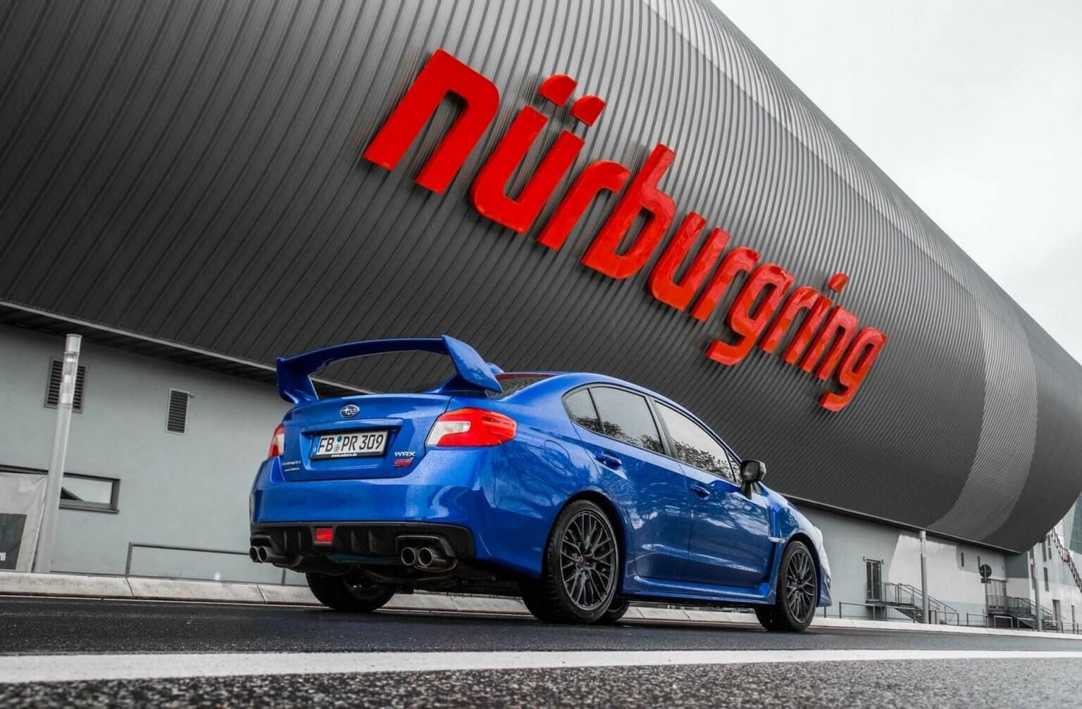 co-drive Subaru na torze Nurburgring