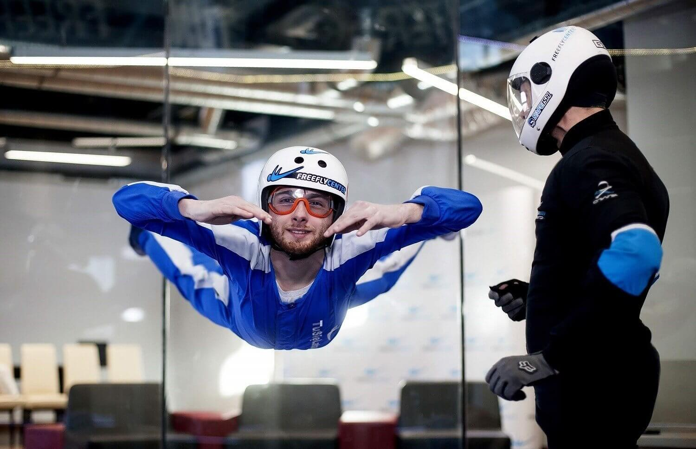 Lot w tunelu aerodynamicznym w Lesznie dla 2 osób