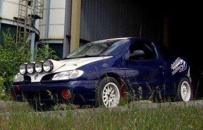 Rajdowa jazda Renault w Częstochowie