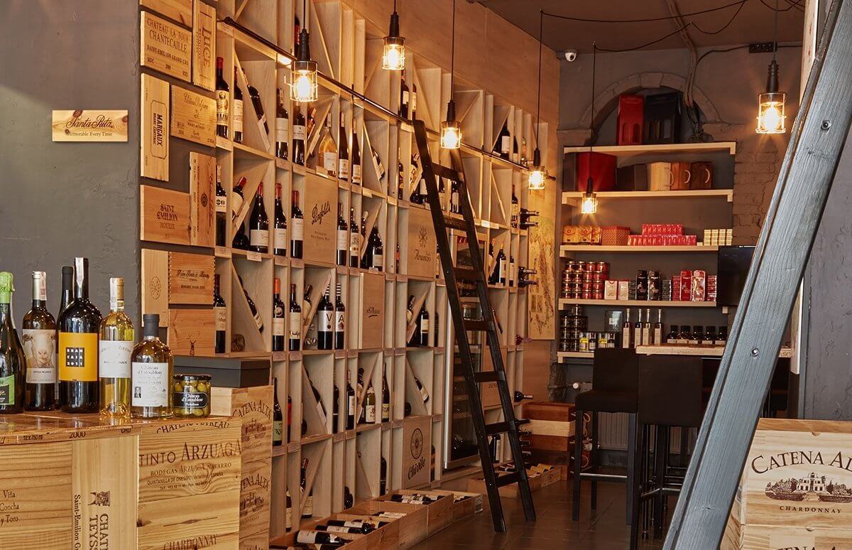 Selekcja win w Restauracji Muga
