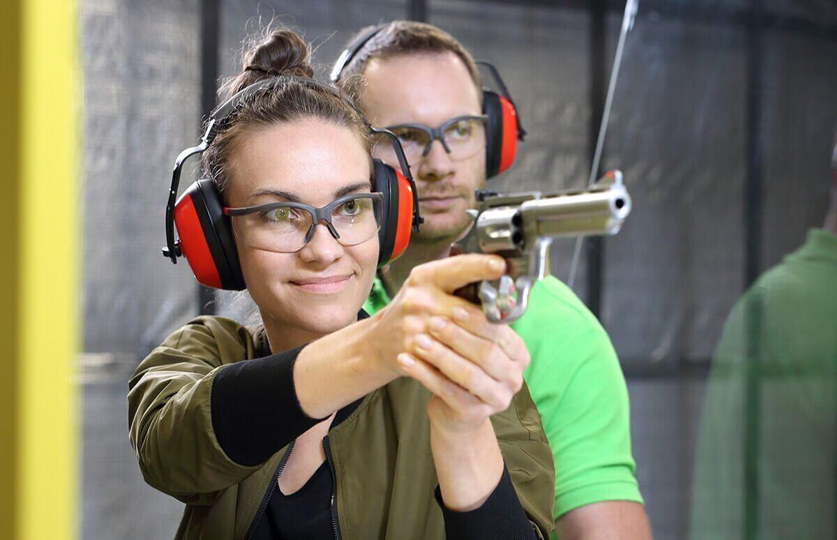 Nauka strzelania - Pierwsza lekcja na strzelnicy
