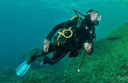Nauka nurkowania w podwodnym kamieniołomie