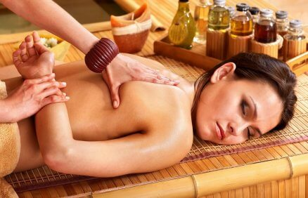 Masaż tajski z olejkami
