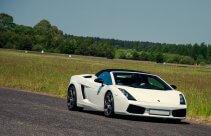 Jazda sportowym Lamborghini