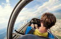 Lot szybowcem widok z kabiny pilota