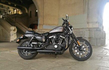 Jazda motocyklem Harley Davidson