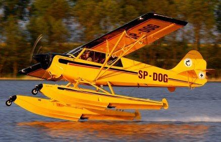 Lot hydroplanem z lądowaniem na jeziorze