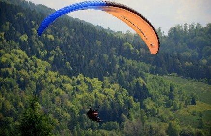 Lot paralotnią nad Górą Żar
