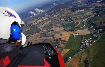Lot pilotażowy wiatrakowcem nad Mazowszem