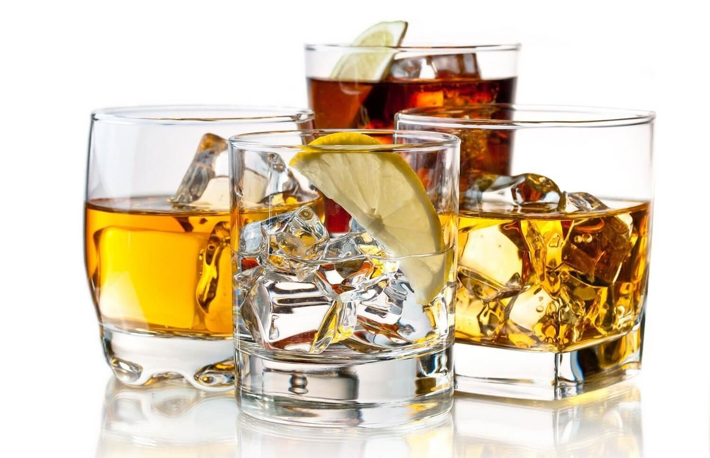 Degustowanie złotej whisky