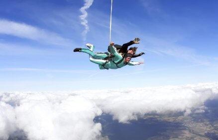 Szkolenie z samodzielnym skokiem spadochronem