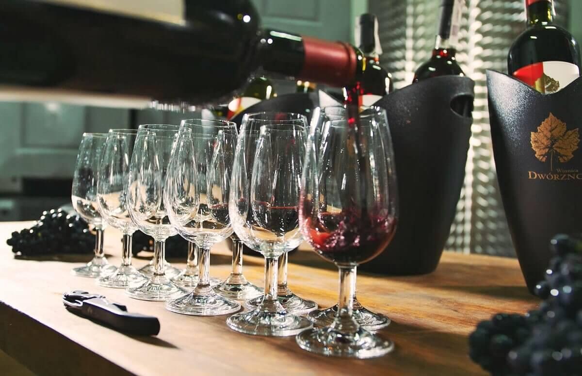Degustacja 5 gatunków lokalnego wina