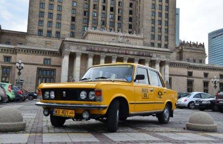 Podróż do przeszłości - Zwiedzanie Warszawy Fiatem 125p