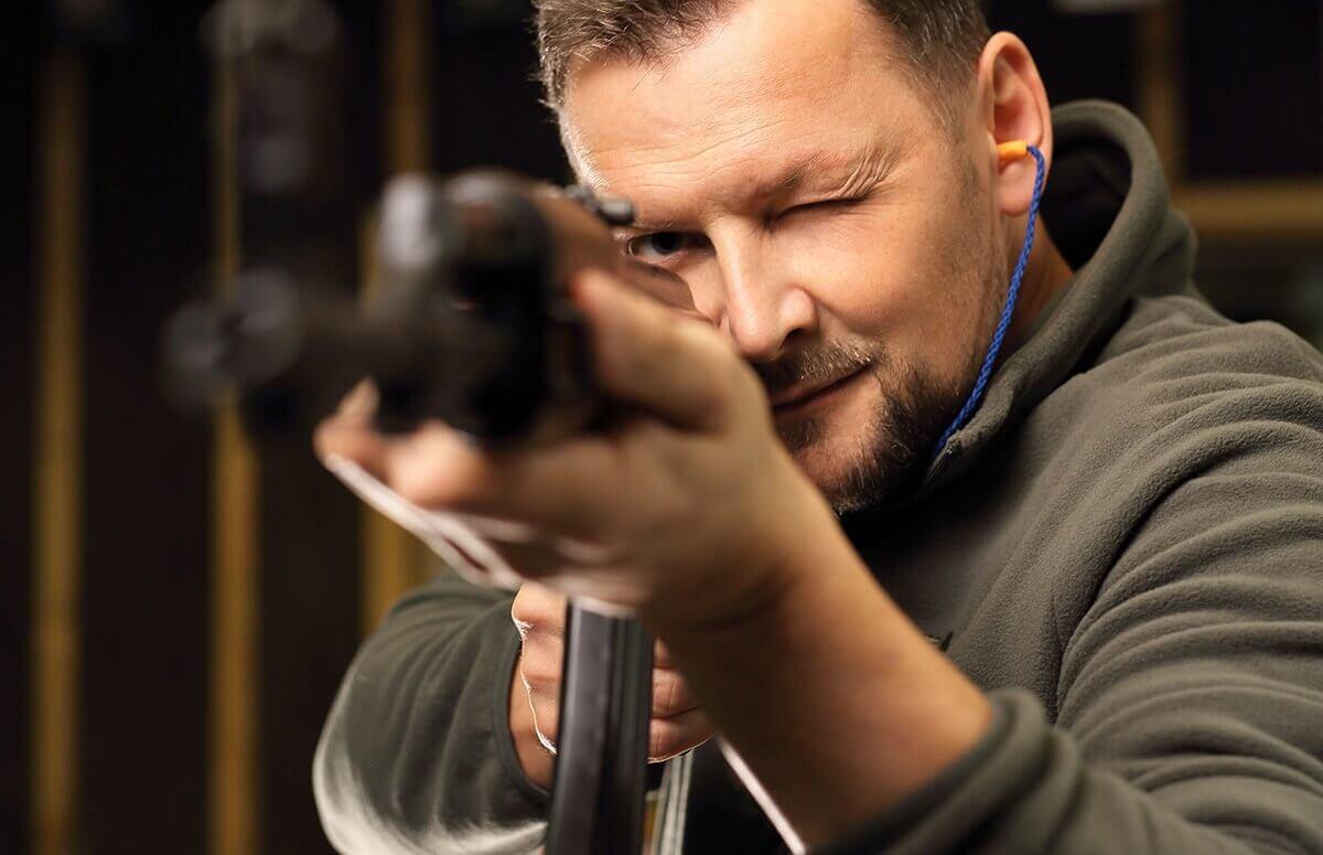Pierwsza lekcja na strzelnicy - Prezent