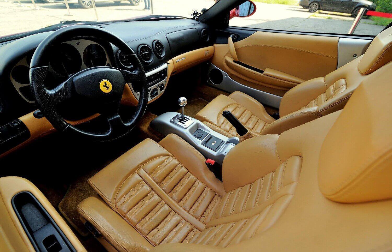 Jazda na torze za kierownicą Ferrari i Lamborghini