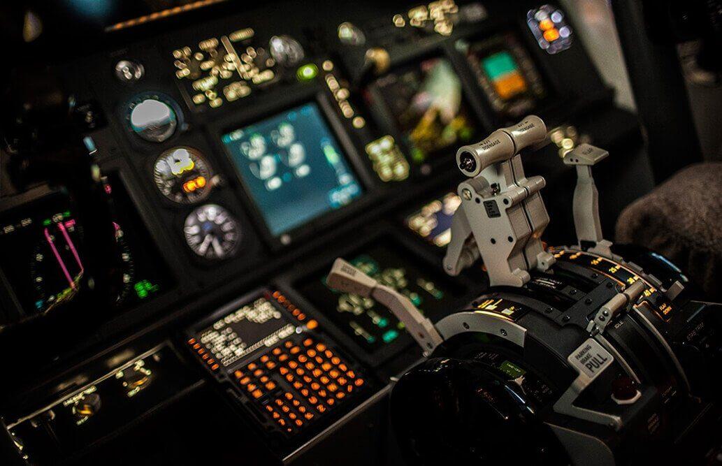 Lot symulatorem Boeinga 737