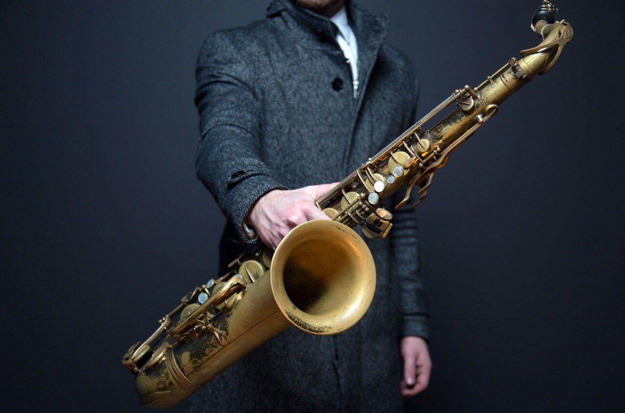Naucz się grać na saksofonie