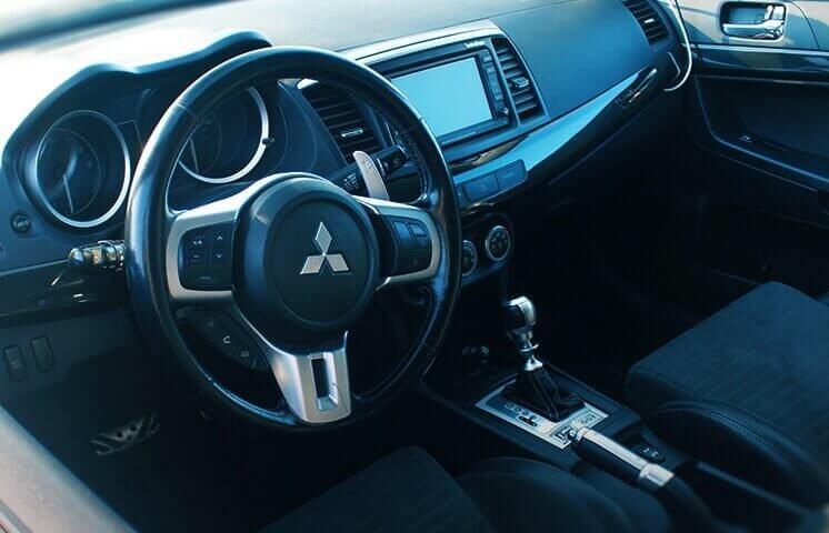 Za kierownicą Mitsubishi Lancer Evo
