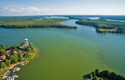 Lot paralotnią nad Jeziorem Wdzydze