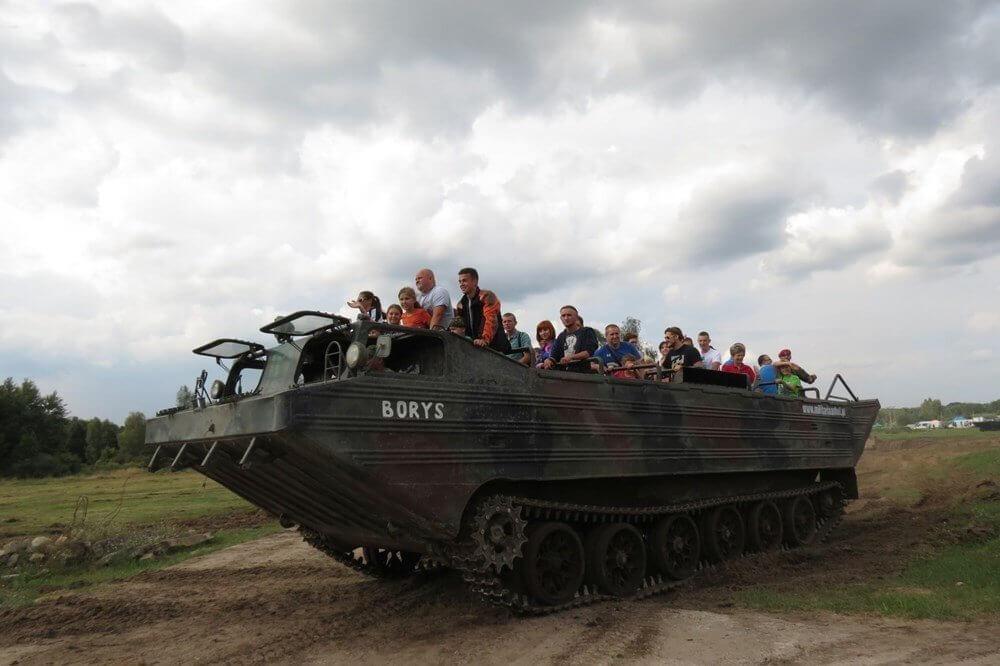 jazda amfibią militarną